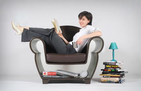 Der Sessel, der statt Platz zu verstellen, Platz schafft