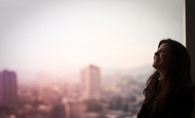 lächeln vor Skyline